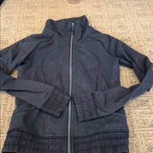 Lulu track jacket EUC. Black. Tinsel back.